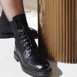 boots lacets noir reqins